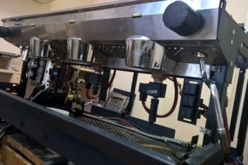 Начало сборки кофемашины после удаления накипи